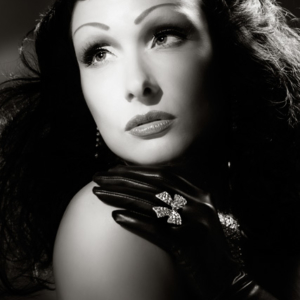 old hollywood cinematic diva style